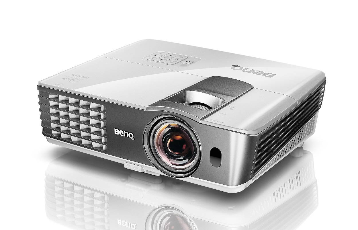 Benq w1080st 3d full hd short throw projector for Smallest full hd projector